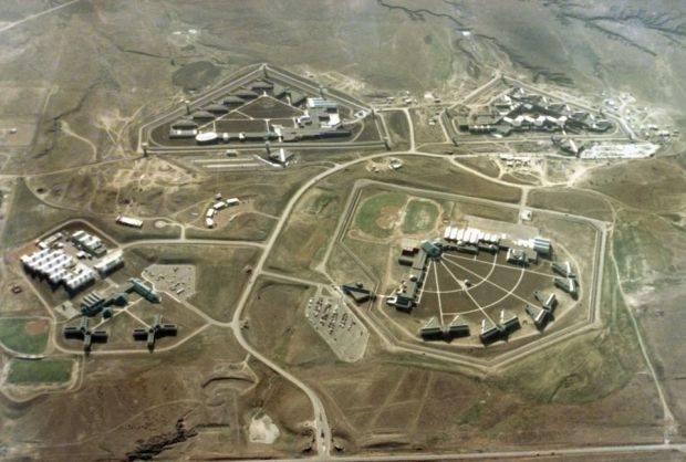 美國的沙漠監獄。